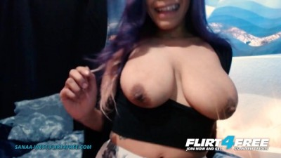 Ebony Babe w Huge Tits Sucks her Perfect Nipples